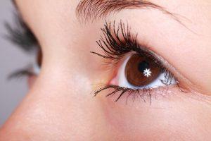 Bien choisir son mascara, son eye-liner et son fond de teint
